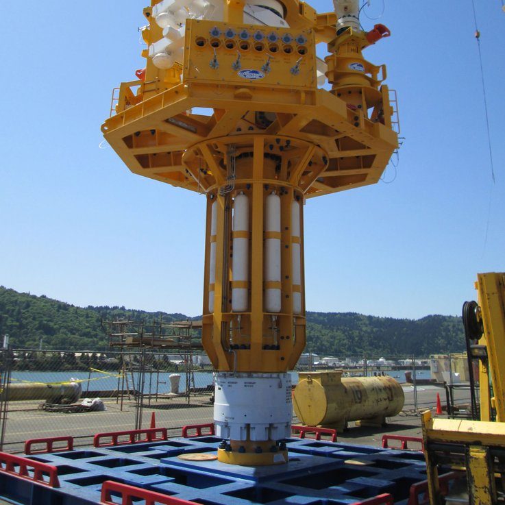 DEEP WELL CAPPING STACK WINCH SYSTEM